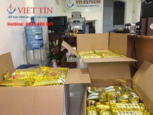 Đóng gói chuẩn bị vận chuyển trà sang Mỹ